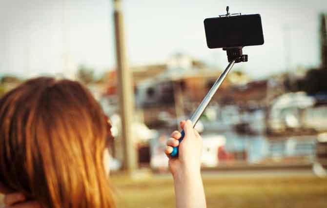 selfi-taking